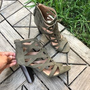 Parker & Sky Faux Suede Green Lace Up Heels